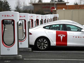 Tesla apunta a desarrollar baterías con mayor vida útil para vehículos eléctricos
