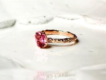 可愛い!ピンク色のガーネット