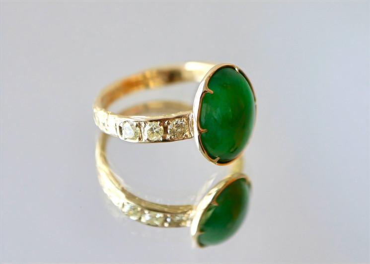 翡翠とイエローダイアモンドのリング