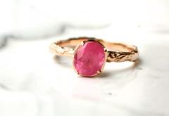 春色満開!モードなマッドピンクのリング