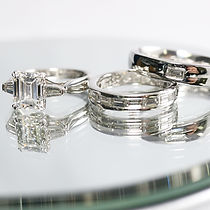 バゲットカットの結婚指輪.jpg