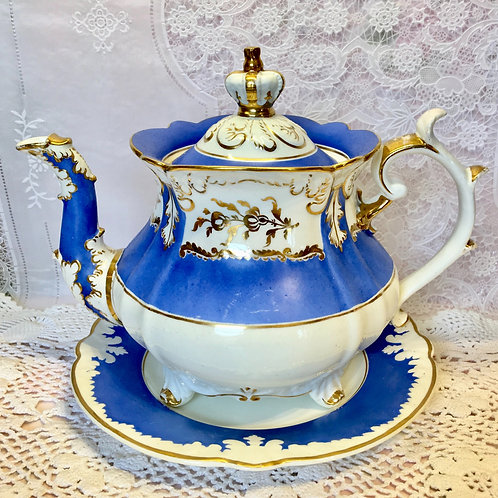 Rockingham teapot in blue with the crown knop c1830