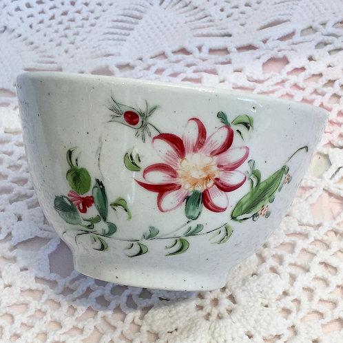 Late 18th Century New Hall tea bowl pattern 596