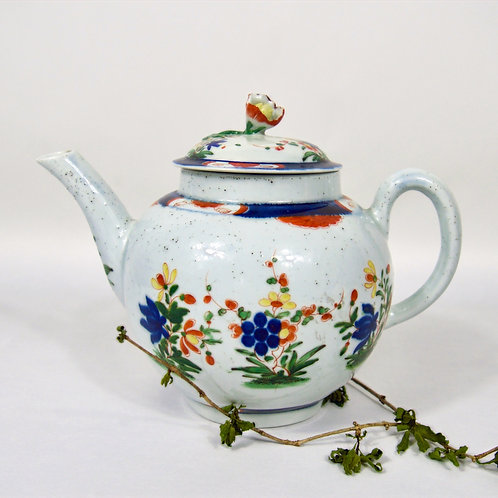 First period Worcester teapot