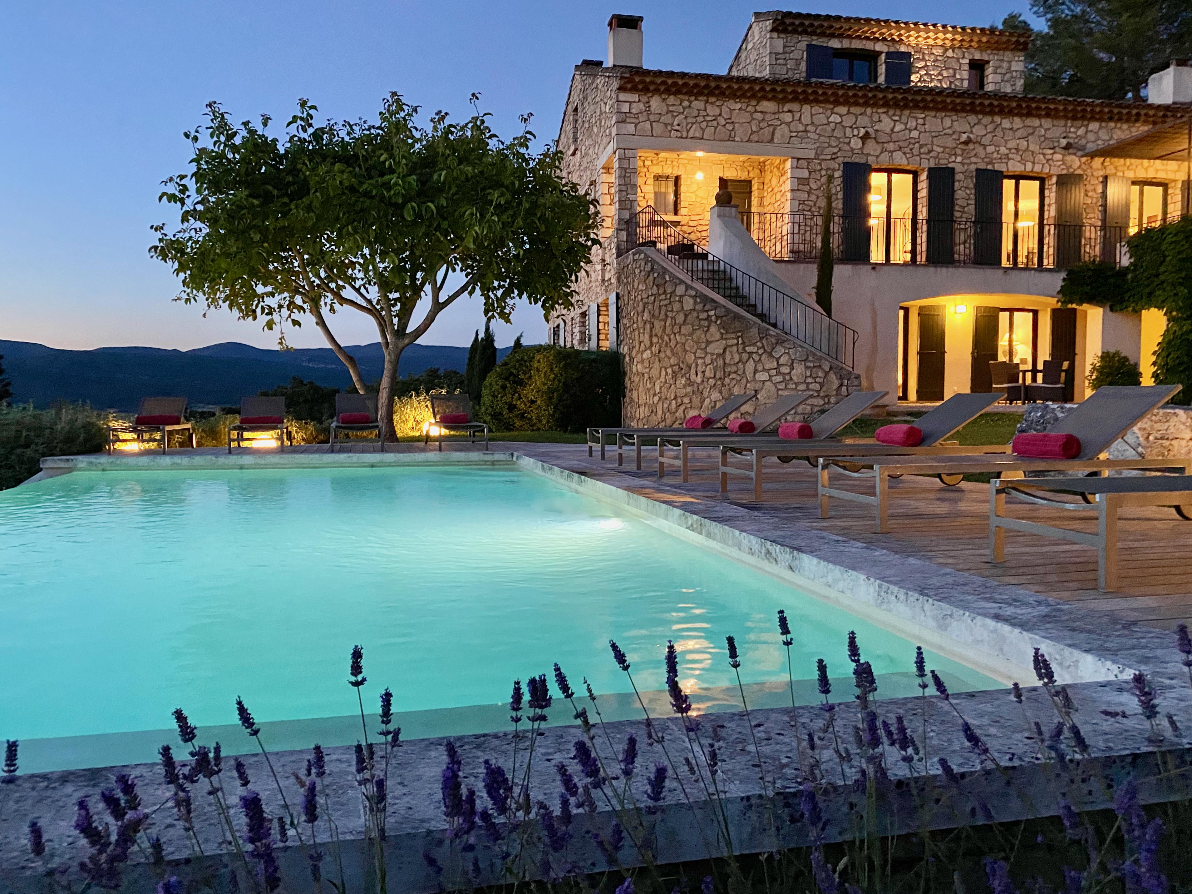 Une piscine chauffée (10 x 5 m)