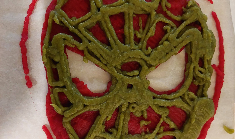spiderman mask webbing of different color