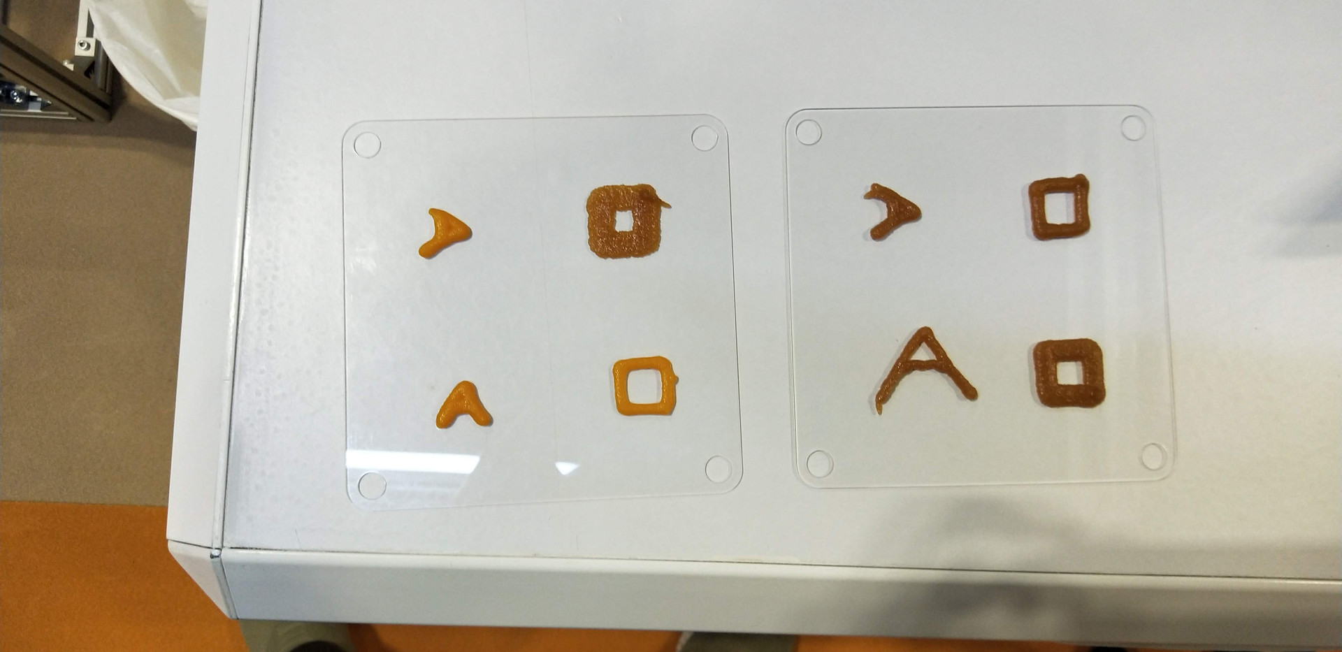 Single layers printed with different materials