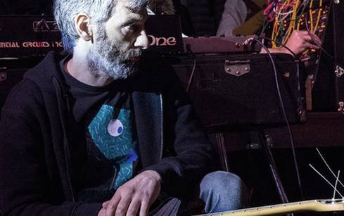 """Desde el año 1988 participa junto a Ernesto Romeo en diferentes proyectos de música electrónica, tocando en los primeros conciertos de la agrupación Klauss en 1991 y en conciertos en Europa y EEUU entre 2005 y 2012. Graba con Klauss en el disco """"e"""" y desde el año 2012 se integra comomiembro del proyecto. Es socio y técnico de grabación en el estudio - laboratorio """"La Siesta del Fauno"""" trabajando como músico y técnico en producciones."""