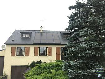 Rochereau_-_panneaux_solaires_aérovoltaï