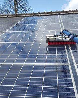 Nettoyage_panneaux_solaires.jpg