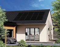Panneaux-photovoltaiques-SYSTOVI-sur-une-maison-avec-toiture-en-ardoise-et-voiture-electri