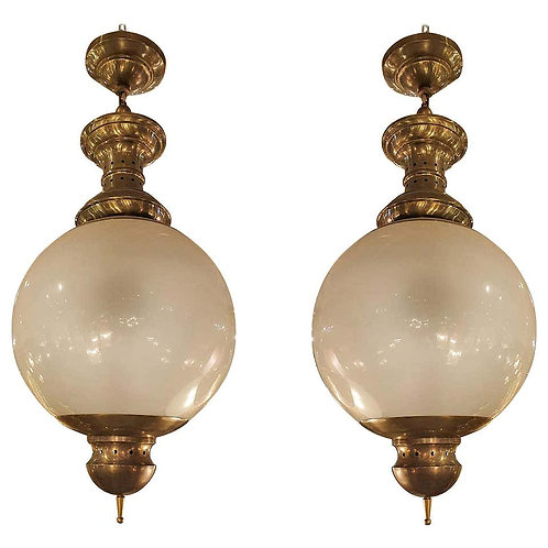 Pair of Large Mid-Century Modern Brass and Glass Chandeliers by Dominioni, 1960