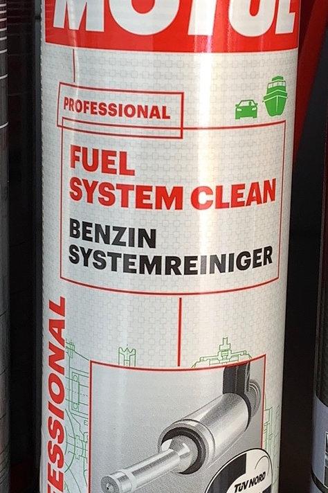 MOTUL Benzin System Reiniger