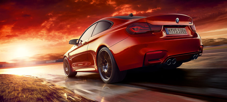 BMW-m4-coupe-at-a-glance-driving-dynamic