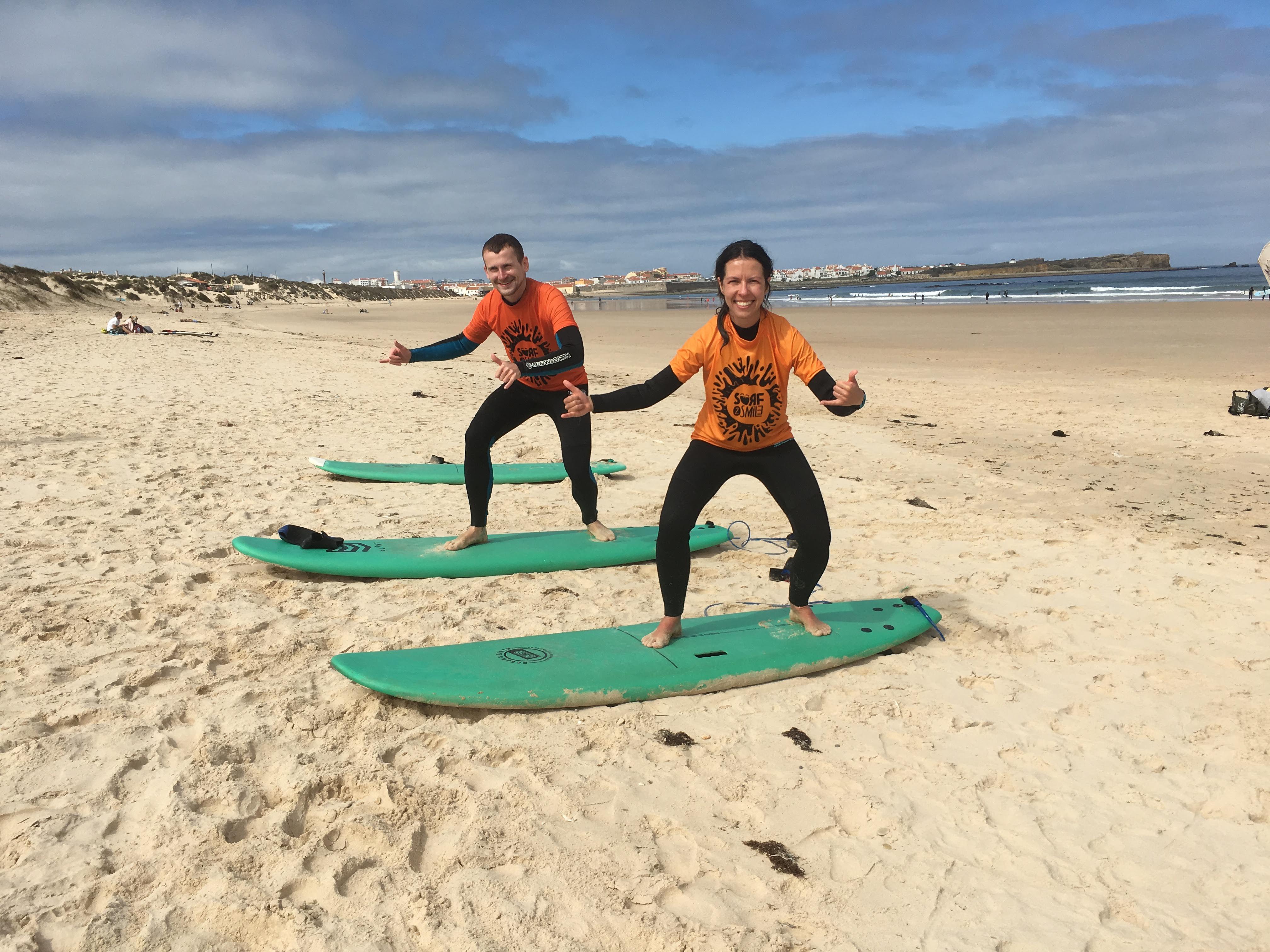 Wspólne surfowanie w Portugalii
