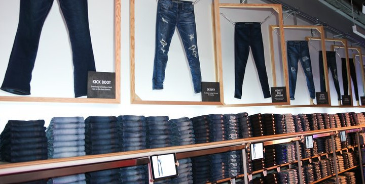 American Eagle's NYC concept lets students do laundry while shopping