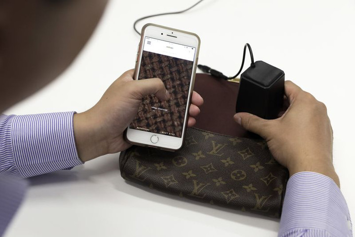 This Gadget Tells You If Your Handbag Is a Fake