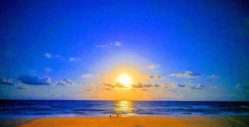 Full_Moon_rise_GC_©_Copyright_2019_Bryan