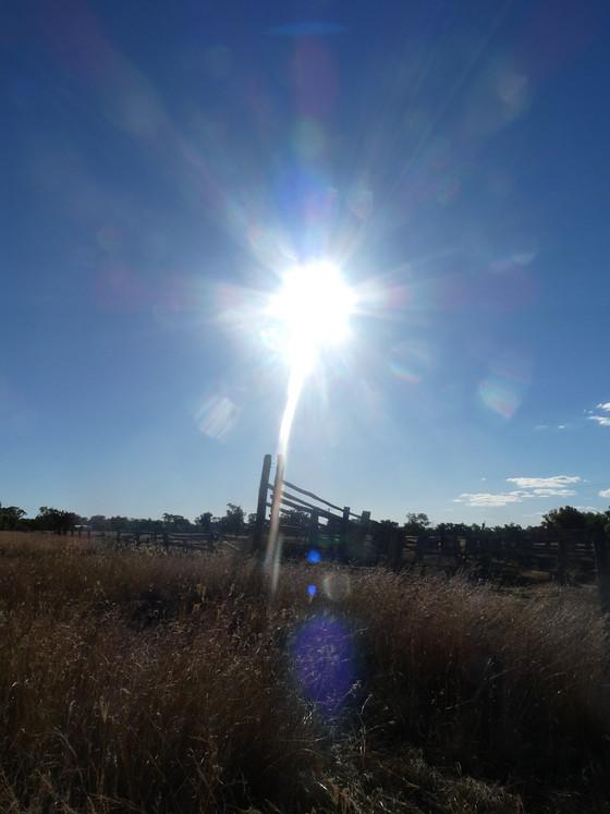Large sun cross in sky grows hugely near Texas