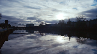 Bridge over river Clyde in Glasgow at sunrise