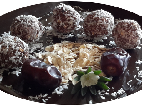 Easy, 3-ingredient Chocolate, Oat, Date Balls