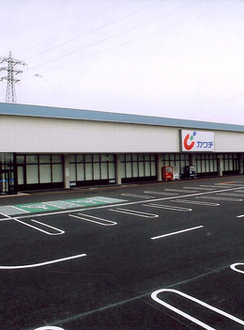 店舗関連建物 / ドラッグストア