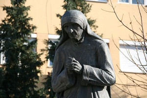 Mother Teresa statue in Struga, Macedonia