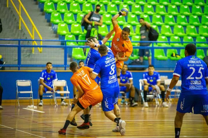 Taubaté (SP) x São Carlos (SP) (foto Bruno Ruas / LNH )