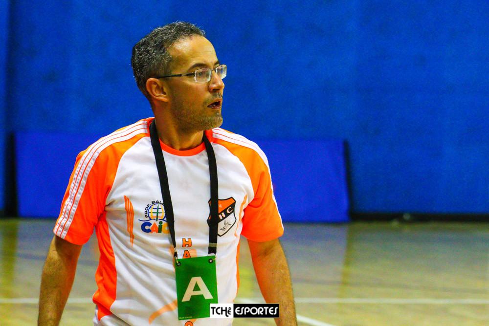 Giuliano Ramos, técnico do CAIC Professor Balduino Barboza de Deus (PI). (foto arquivo Tchê Esportes)