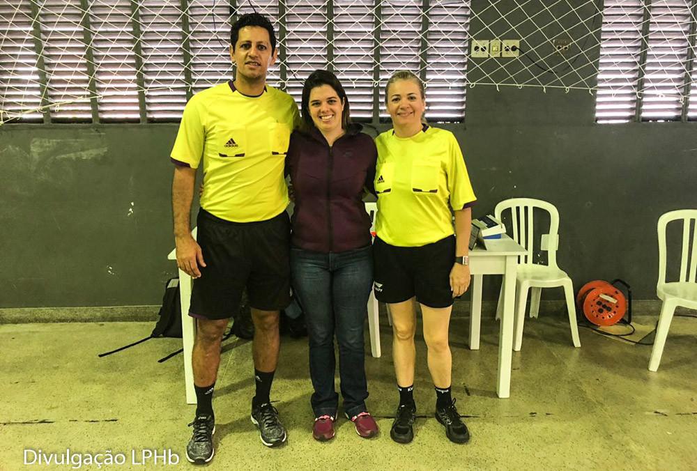Daniel Magalhães (árbitro), Cláudia Mota (secretária/cronometrista) e Andrea Inglez (árbitra) (foto divulgação LPHB)