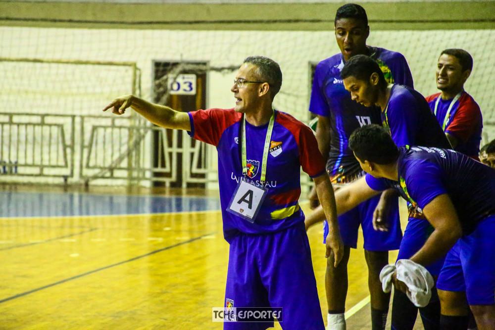 Giuliano Ramos, técnico do GHC (PI). (foto André Pereira / Tchê Esportes)