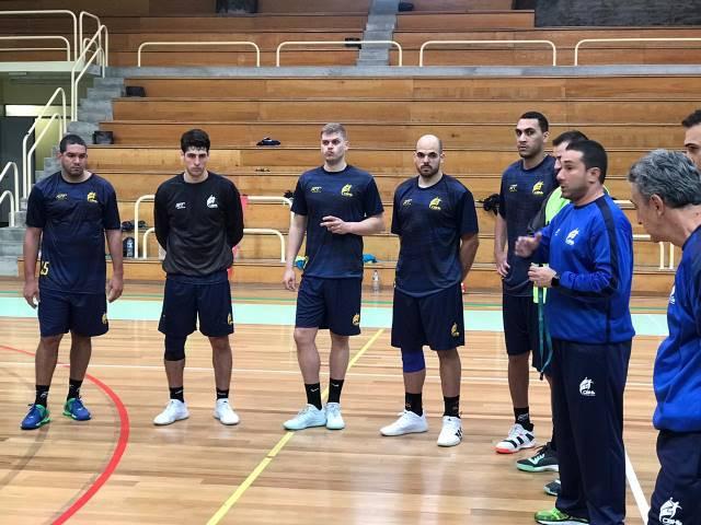 Marcus Tatá (à direita), técnico da Seleção Brasileira Masculina de Handebol (foto Divulgação CBHb)