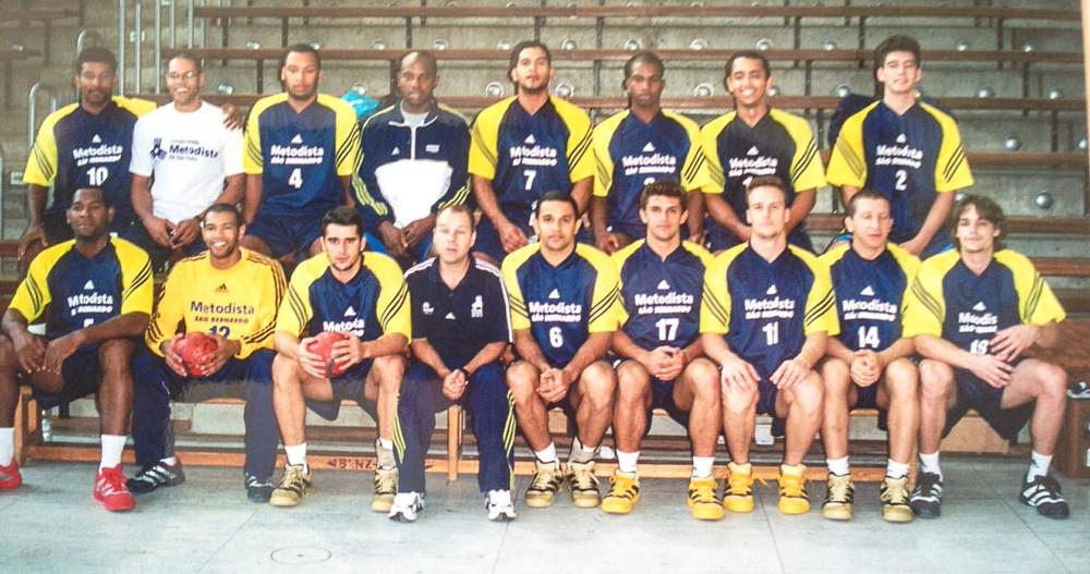Equipe da Metodista de 2002 (foto arquivo pessoal)