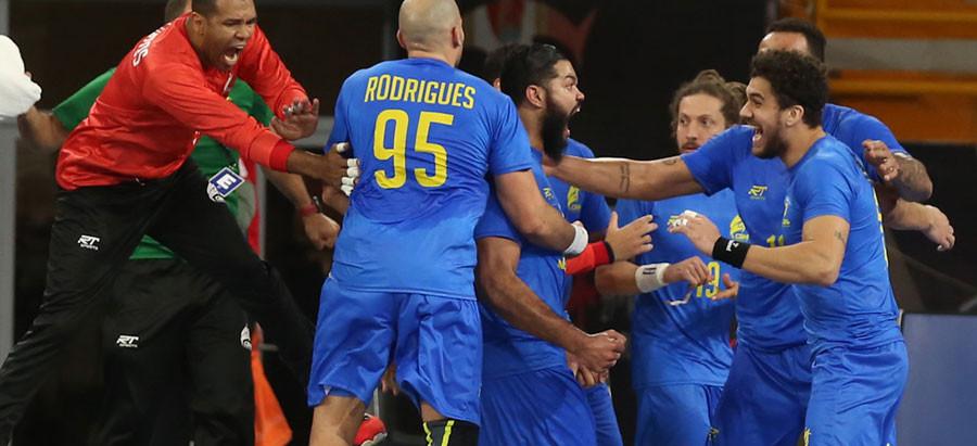 Brasil sofre, mas consegue empate com a Tunísia