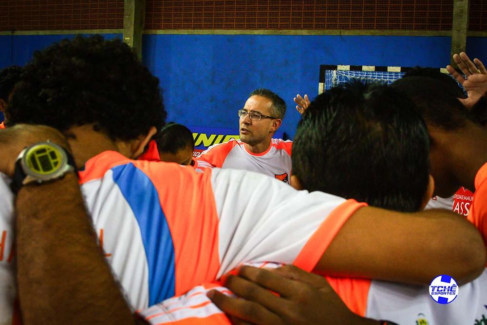 Giuliano Ramos, técnico do juvenil do GHC. (foto arquivo Tchê Esportes)