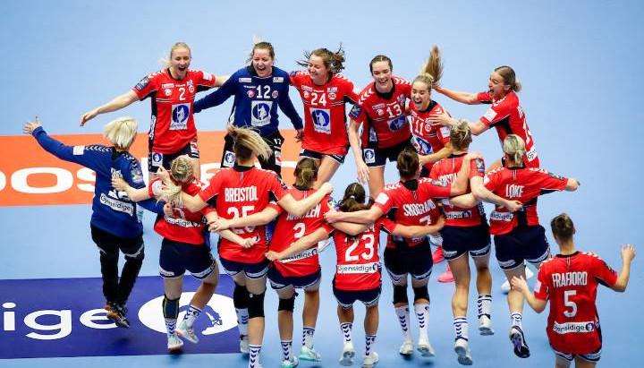Noruega, Mork e Oftedal comemoram título da EHF EURO 2020
