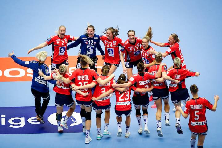 Noruega Campeã da EHF Euro Feminina 2020 (foto Anze Malovrh / kolektiffimages)