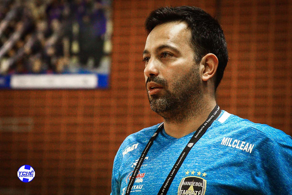 Dimas Fabiano, técnico do juvenil do Taubaté (foto arquivo Tchê Esportes)