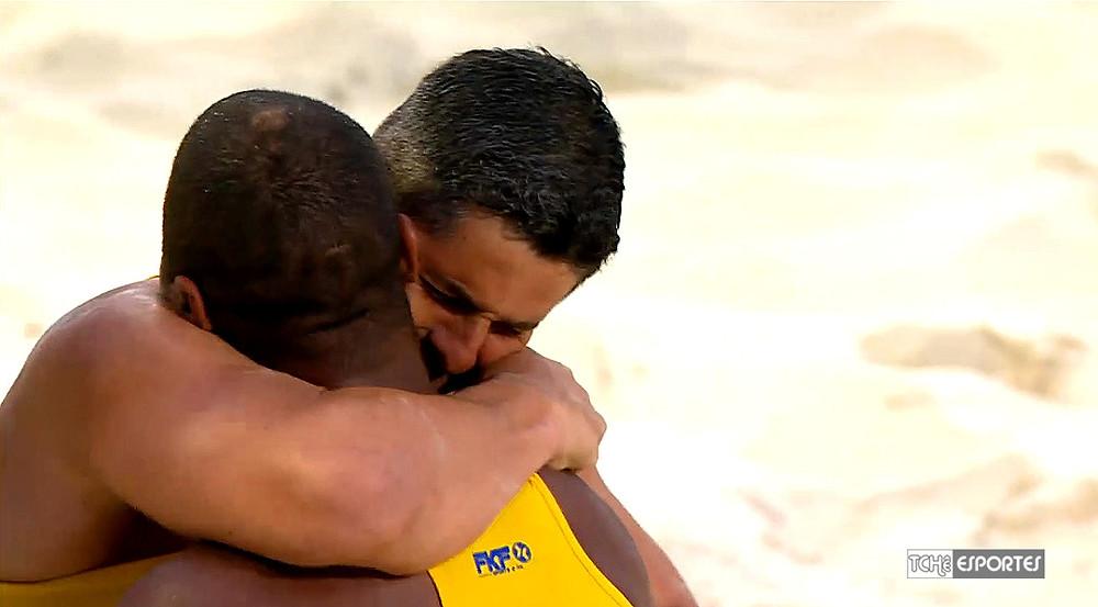 Seleção Brasileira masculina é campeã do Mundial Beach Hand - Rússia 2018 (foto reprodução)