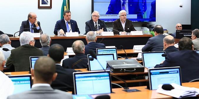 Audiência na Comissão do Esporte discute a destinação de verbas de loterias para formação de atletas (foto Alex Ferreira/Câmara dos Deputados)