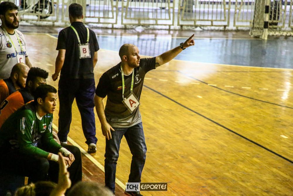 Alberto Gallina, técnico do São Caetano. (foto André Pereira / Tchê Esportes)