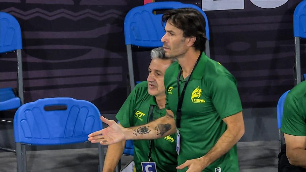 Leonardo Bortolini, técnico interino da Seleção Brasileira - foto: Reprodução / IHF