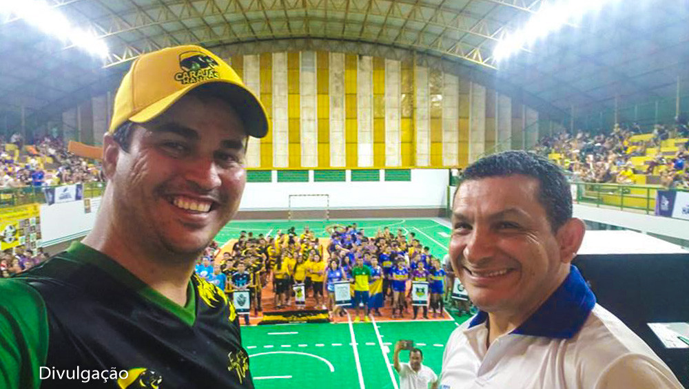 Roger Moura (à esquerda), presidente do Carajás Handebol. (foto divulgação