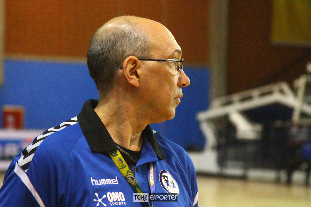 Sérgio Hortelan, técnico do Pinheiros-SP (foto André Pereira / Tchê Esportes)