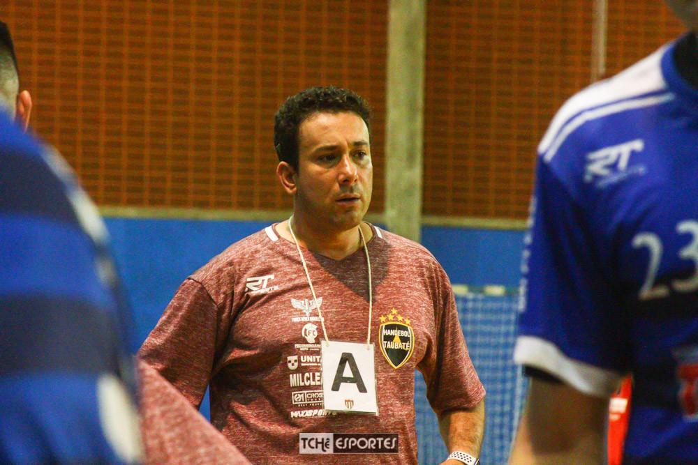 Marcus Tatá, técnico do Taubaté. (foto André Pereira / Tchê Esportes)