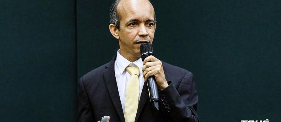 Ricardo Souza consegue liminar e reassume presidência da CBHb