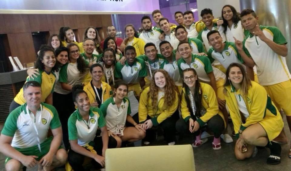 Maik,visita a delegação brasileira. (foto Divulgação CBDE)