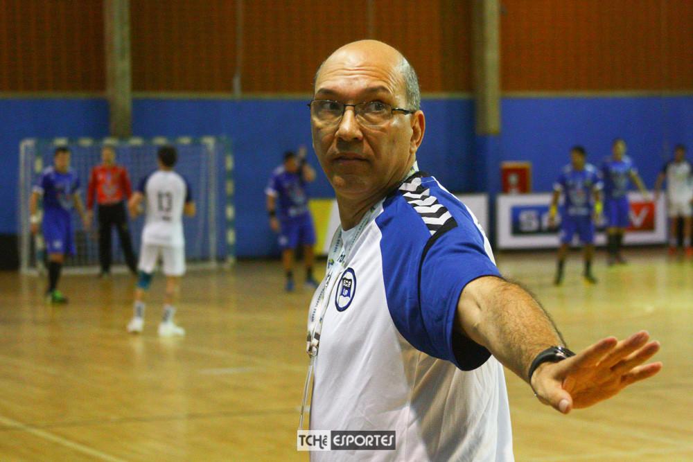 Sérgio Hortelan, técnico do EC Pinheiros-SP. (foto André Pereira / Tchê Esportes)