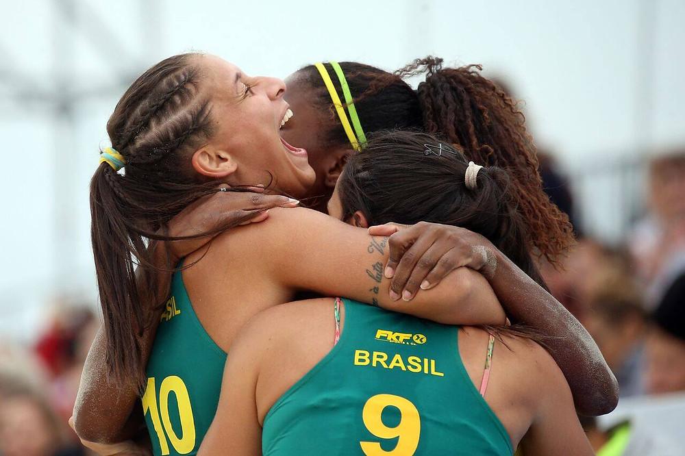 Seleção Brasileira feminina é Bronze no Mundial Beach Hand - Rússia 2018 (foto reprodução)