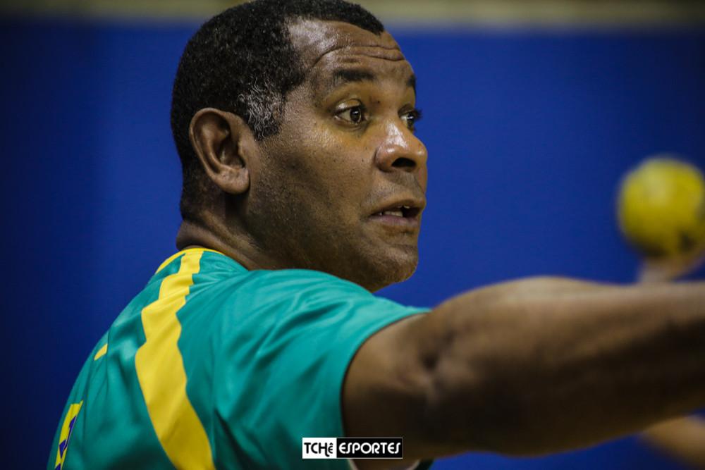 """Daniel """"Cubano"""", técnico da Seleção Brasileira Juvenil de Handebol Feminino. (foto arquivo Tchê Esportes)"""